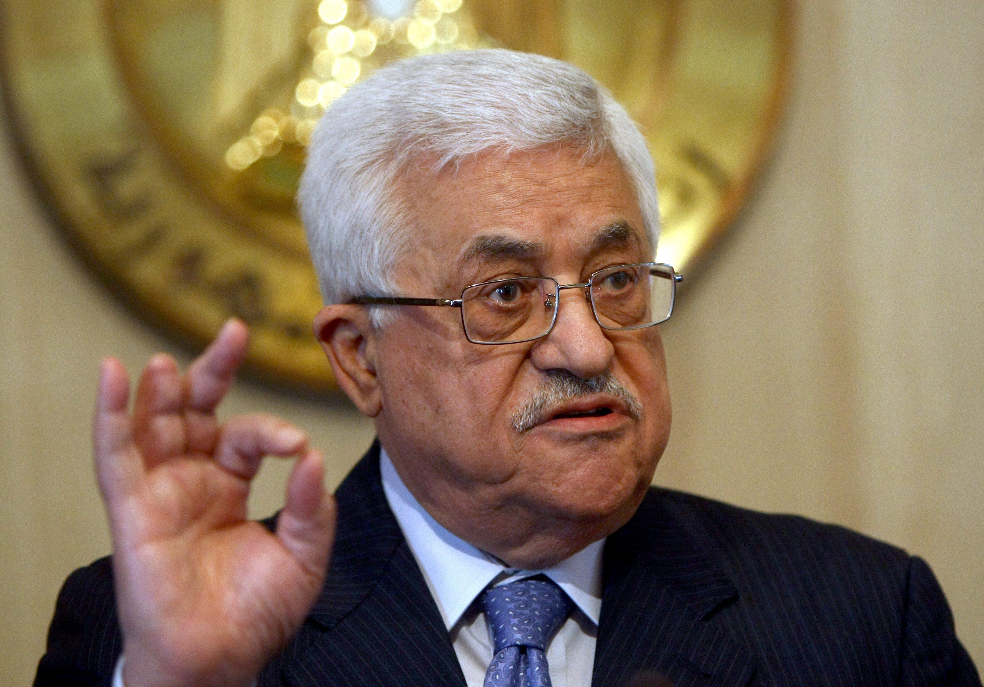 سخنگوی محمود عباس: اگر سفارت آمریکا منتقل شود به منزله پایان روند صلح است
