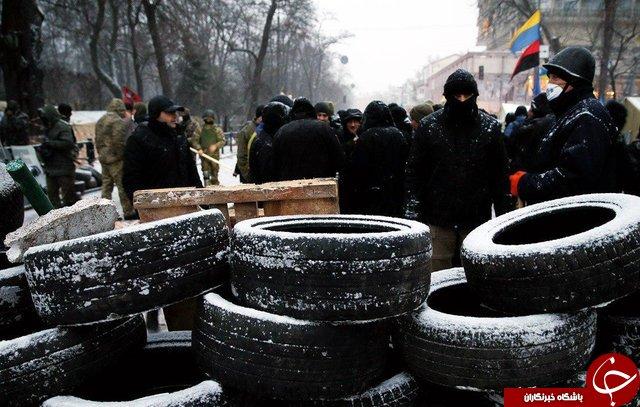 تظاهرات ضد دولتی در اوکراین ادامه دارد+تصاویر