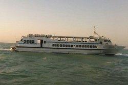 شناور جدید مسافربری در مسیر جزیره خارگ فعال میشود