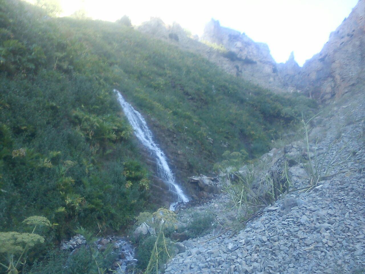 نمایی از طبیعت زیبا و کوهستانی کلات + تصاویر