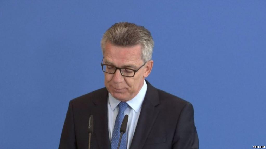 وزیر داخله آلمان از اخراج پناهجویان به افغانستان دفاع کرد