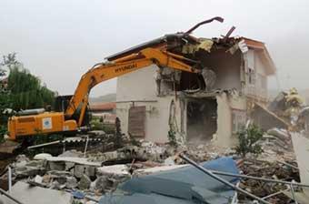 تخریب تعدادی ساختمان غیرمجاز در شهرستان  ابهر