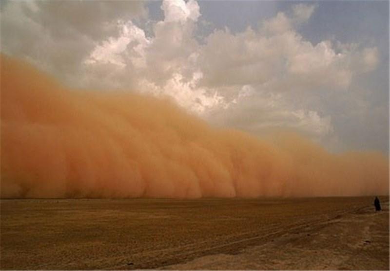 اغاز وزش طوفان شن به همراه ریزگرد در ریگان