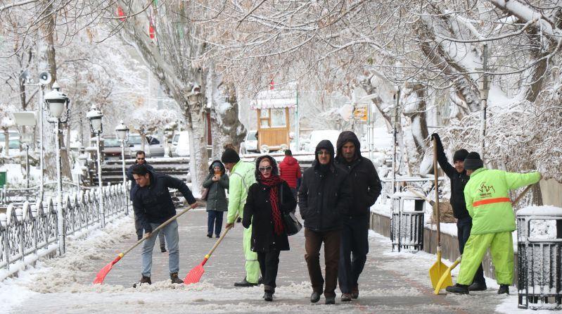 برف پاییزی تبریز را سپیدپوش کرد+تصاویر