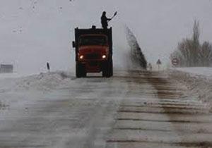 ذخیره ۱۵ هزار تن شن و نمک برای برفروبی جادههای لرستان