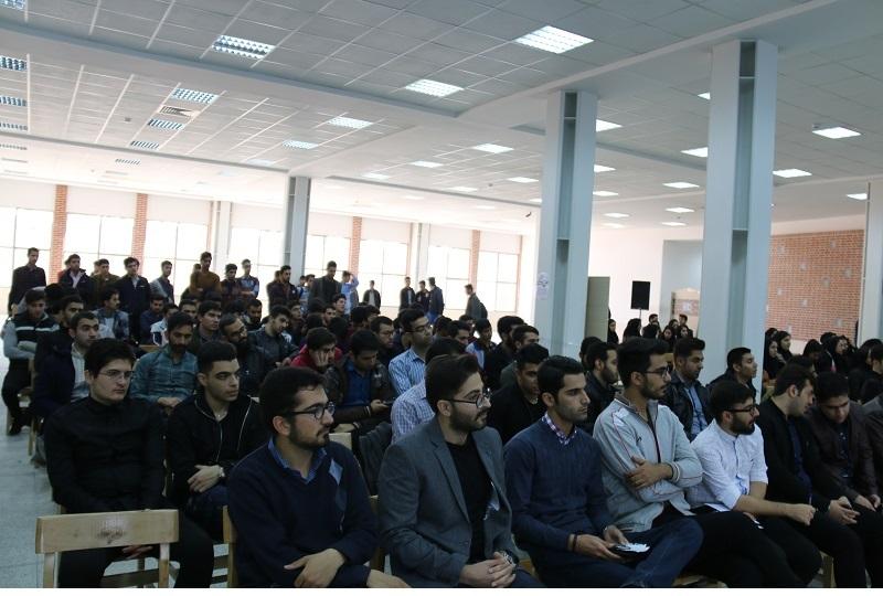 برگزاری مراسم گرامیداشت روز دانشجو در دانشگاه صنعتی کرمانشاه