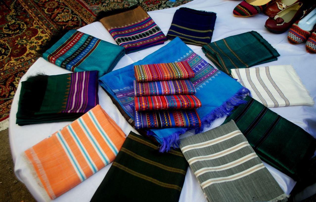 نمایشگاه صنایع دستی و فراورده های زراعتی روستاها در هرات