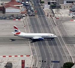 خطرناکترین خطوط هوایی جهان + فیلم