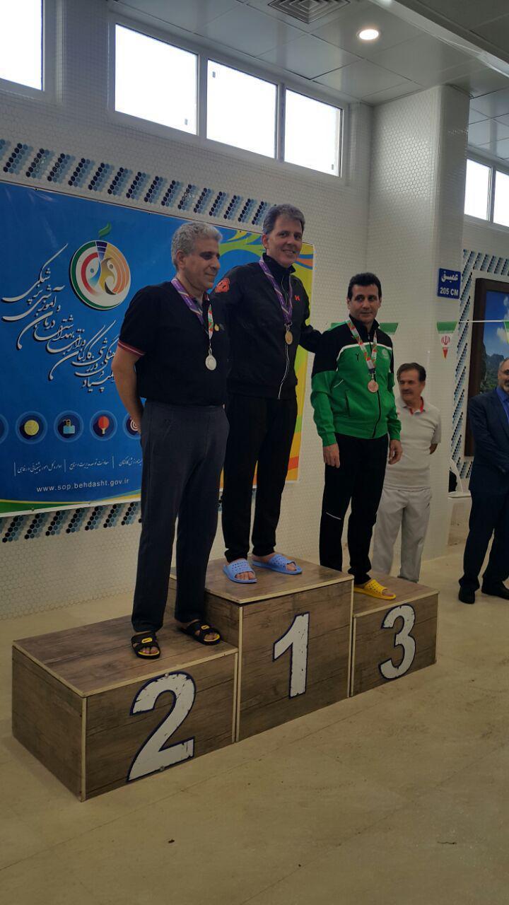 شناگر کرمانی بر سکوی دوم المپیاد ورزشی کارکنان وزارت بهداشت