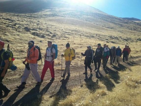 باشگاه خبرنگاران -دو کوهنورد گمشده در کوههای بیرمی پیدا شدند