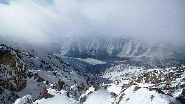 ادامه عملیات جستجو برای یافتن کوهنوردان مفقود شده اشترانکوه/کشف جسد چهارمین کوهنورد مفقود شده