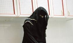 زن عربستانی دست فروشندگان متقلب ادویه را در این کشور رو کرد+فیلم