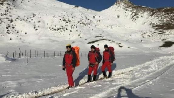 باشگاه خبرنگاران -نجات 8 گردشگر گرفتار در کوهستان های تالش