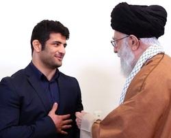 رهبر انقلاب در دیدار با علیرضا کریمی: عزتآفرینی کردید و برای یک هدف بزرگ از حق خود گذشتید