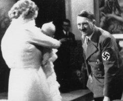 عکسهای دیده نشده از هیتلر در آلبوم فرمانده نیروی هوایی آلمان+ تصاویر