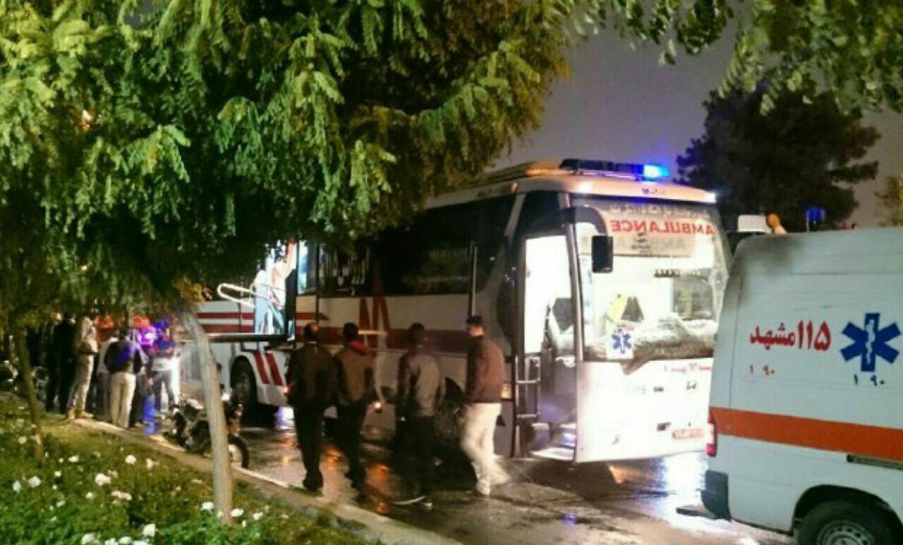13 مجروح در برخورد زنجیرهای اتوبوس مسافربری حامل زائران پاکستانی در مشهد