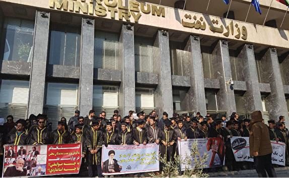باشگاه خبرنگاران -از وعده تا تهدید/ اعتصاب فارغ التحصیلان صنعت نفت تنها با اقدام عملی پایان مییابد