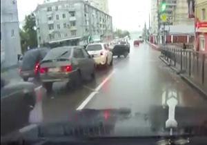 باشگاه خبرنگاران -تصادف به دلیل کم نکردن سرعت در تقاطع + فیلم