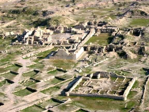 پایش فصلی شهر باستانی بیشاپور انجام شد