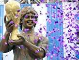 باشگاه خبرنگاران -تندیسی از مارادونا که شباهتی به خودش ندارد