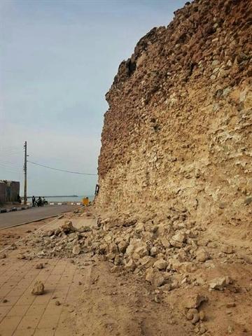 باشگاه خبرنگاران -علل تخریب دیوار قلعه پرتغالیها در جزیره هرمز بررسی میشود
