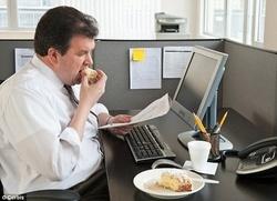 عوامل باورنکردنی چاقی در محل کار