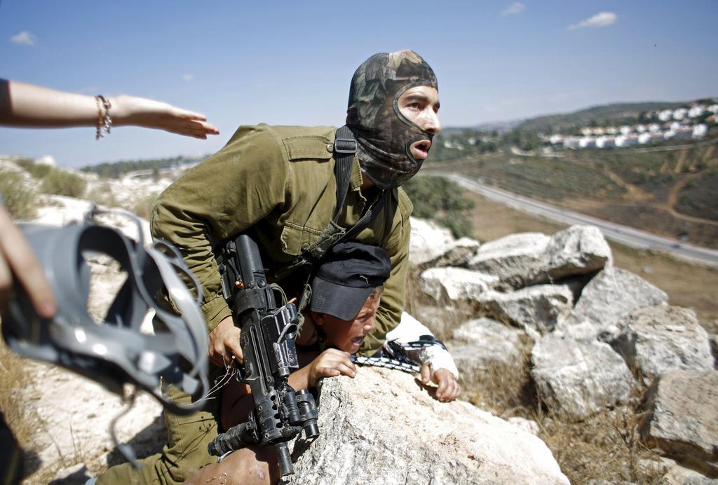 درگیری نظامیان صهیونیست با نوجوانان فلسطینی + فیلم