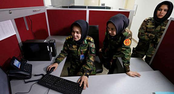 باشگاه خبرنگاران - آموزش 24 نظامی زن افغانستان در بخش خنثی سازی ماین