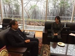 دیدار وزیر بهداشت با یانگوم/ بازیگر جواهری در قصر تقدیر شد
