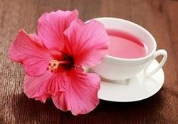 فواید باورنکردنی چای گل بامیه برای سلامتی