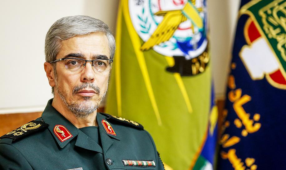 سرلشکر باقری از موزه انقلاب اسلامی و دفاع مقدس بازدید کرد