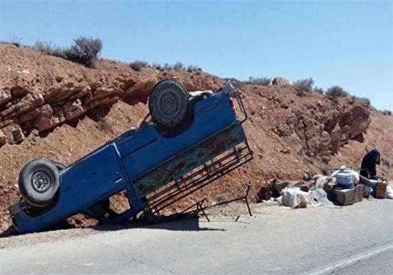 باشگاه خبرنگاران - واژگونی خودرو در آزاد راه ساوه همدان