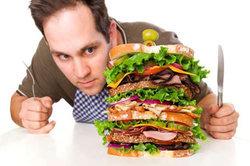۶ علت مهم احساس گرسنگی همیشگی که چاقتان میکند+ اینفوگرافی