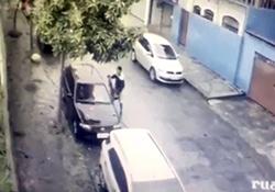 مرگ سارق مسلح پس از اقدام به دزدیدن خودرو + فیلم
