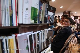حضور کودکان کار در کتابفروشی شهرکتاب مرکزی بمناسبت روز کتاب گردی