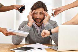 زنگ خطرهایی که نشان میدهد دچار استرس شدید هستید