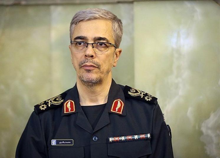 سرلشکر باقری برای بازدید از مناطق زلزلهزده وارد کرمانشاه شد