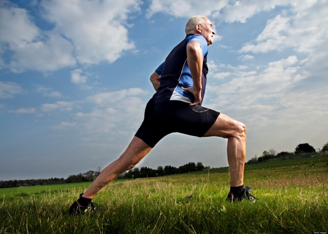عادت شبانهای که منجر به این بیماری میشود/برای جلوگیری از فراموشی این حرکت را انجام دهید/آیا عرق کردن کمکی به کالری سوزی بیشتر میکند؟/فواید راه رفتن روی چمن