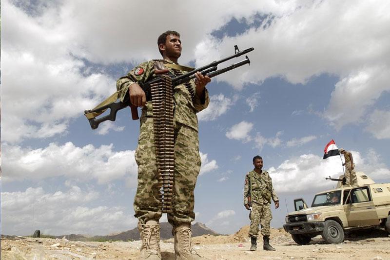 حمله توپخانهای نیروهای یمنی به پایگاه نظامیان سعودی در نجران