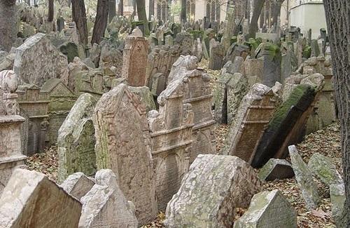 قبرستانهای زیرزمینی راهحل کمبود جا برای دفن اموات!