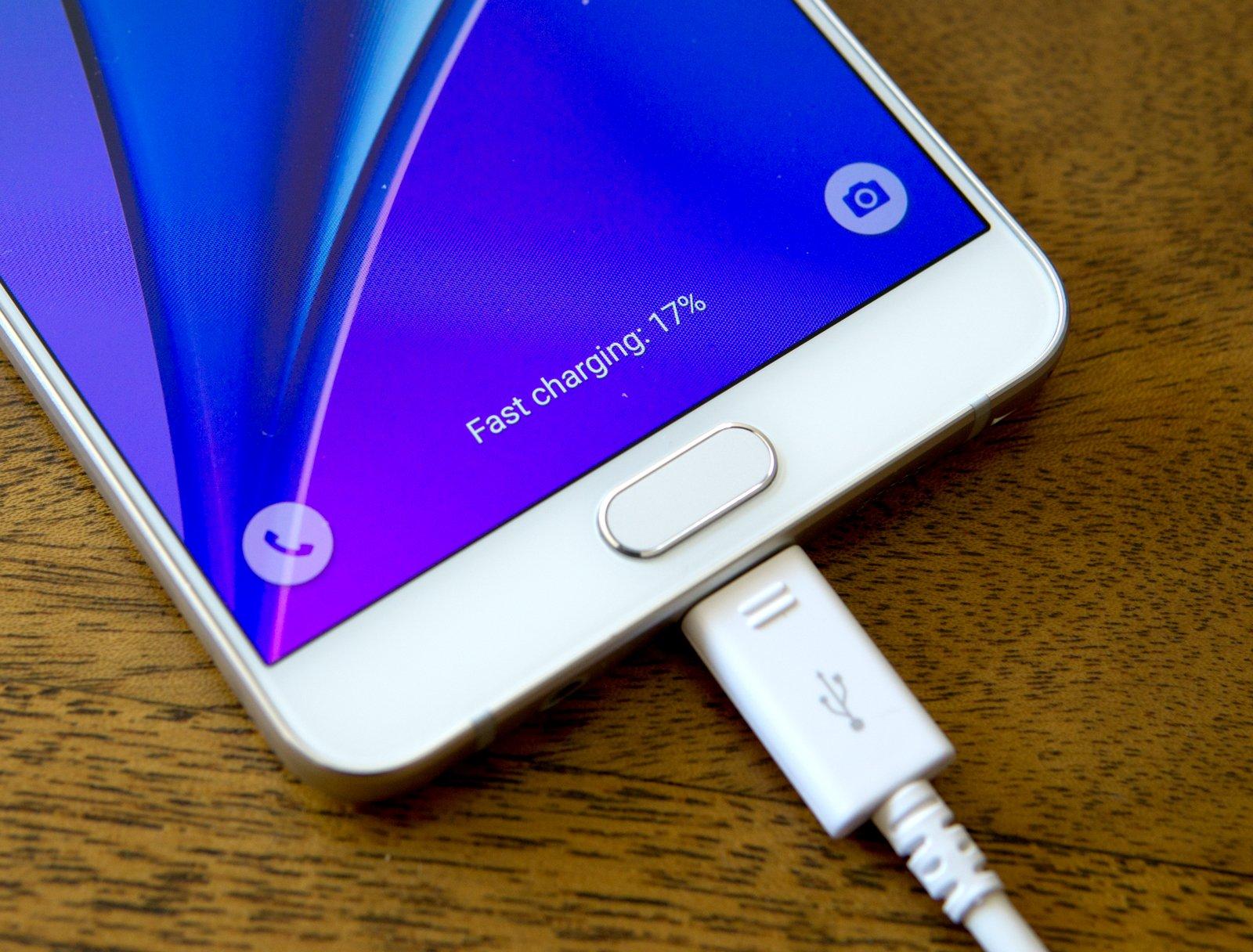 فناوری جدید سامسونگ؛ شارژ کامل گوشی در 12 دقیقه!