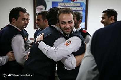 باشگاه خبرنگاران -لحظه تحویل سال نو در کنار مردان آتش