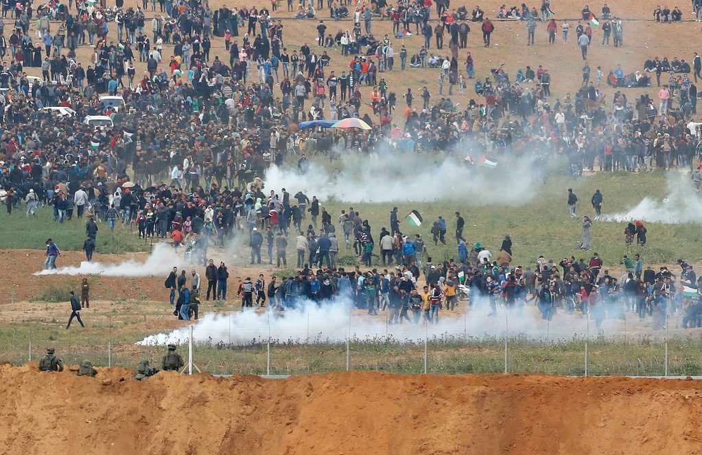 برگزاری «راهپیمایی بازگشت» در نوار غزه/ ۴ شهید و بیش از ۳۵۰ زخمی تا این لحظه+ تصاویر