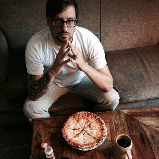 مردی که ۲۵ سال به غیر از پیتزا چیز دیگری نخورد+تصاویر