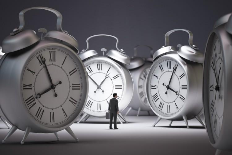 فقط یک دقیقه به پایان عمر شما باقی مانده؛ با چه ی تماس می گیرید؟