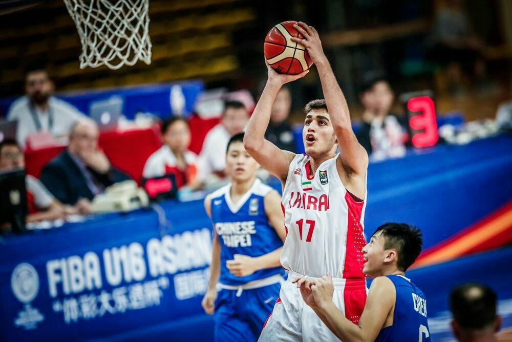 گزارش سایت فیبا از درخشش کاپیتان تیم بسکتبال نوجوانان ایران
