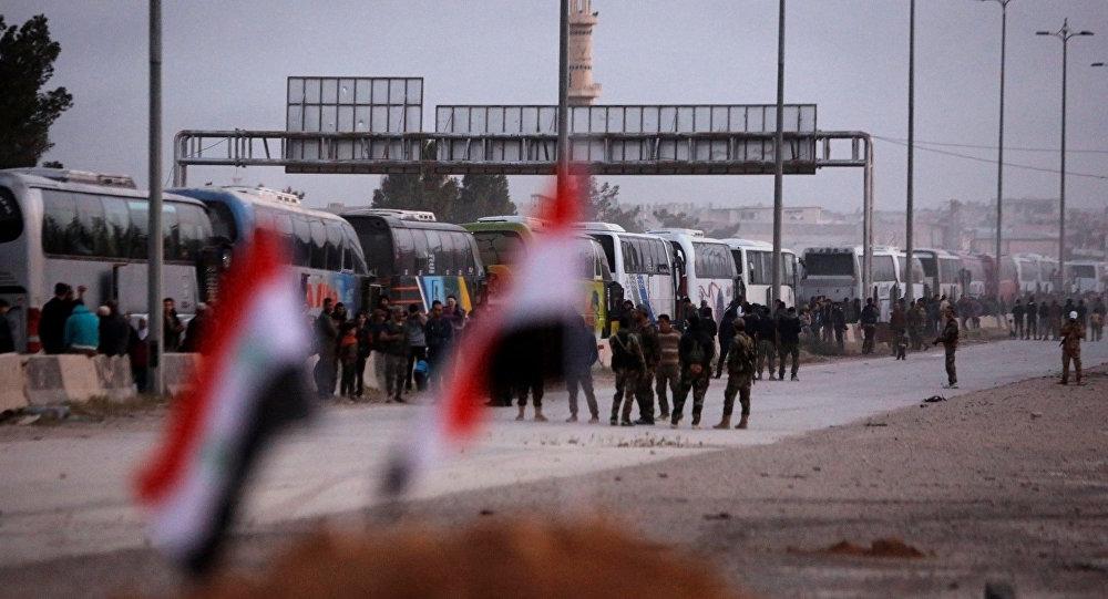 خروج 740 تروریست مسلح از دوما/ محدود شدن محور تکفیریها در غوطه شرقی