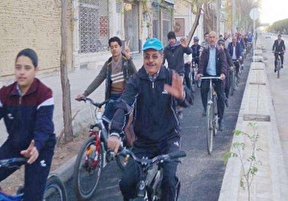 باشگاه خبرنگاران - برگزاری اولین همایش دوچرخه سواری بهاری یزد در دومین روز نوروز
