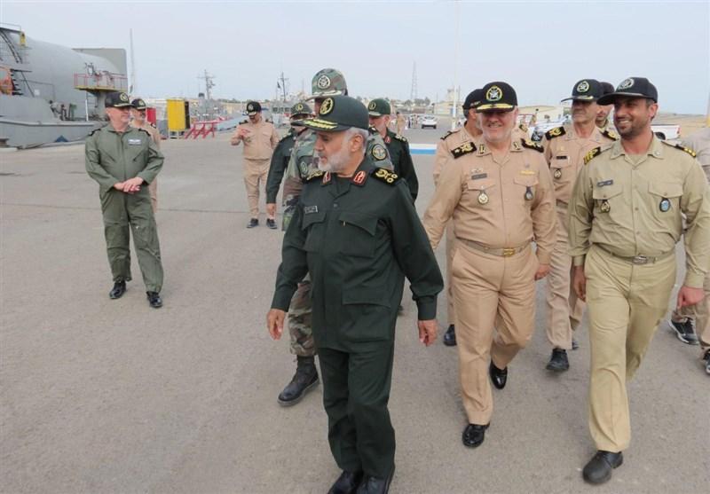 بازدید سرلشکر پاسدار رشید از مناطق نیروی دریایی ارتش در سواحل مکران
