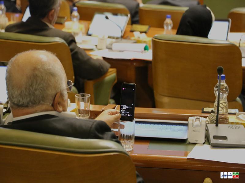 فعالیت اینستاگرامی رئیس کمیسیون فرهنگی در جلسه استعفا